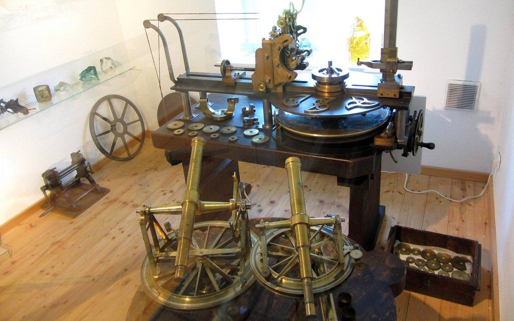 Frauehnhofer's Instrumente in der historischen Glashütte