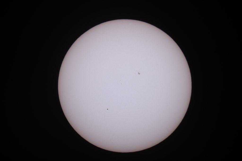 Am Nachmittag riss die Wolkendecke auf und erlaubt den Merkur Transit vor der Sonne zu beobachten.